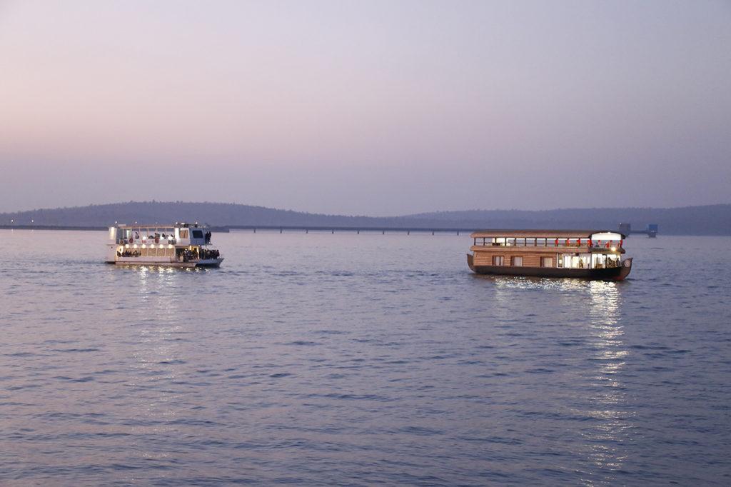 Hanuwantiya Island Water Sports
