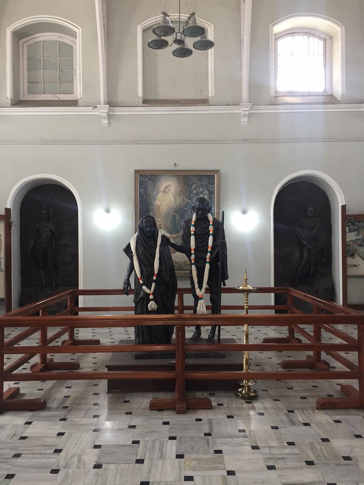 Gandhi statue - AKPalace